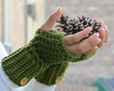 Free pattern for Crochet Fingerless Mitts