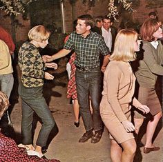 Music, Entertaining, Mini Skirts: 27 Vibrant Photos of Retro Girls on the Dancefloors in the 1960s