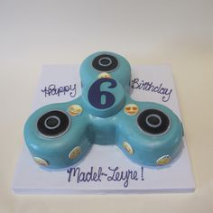 https://flic.kr/p/VXuKUJ | Fidget Spinner Emoji Birthday Shaped Cake