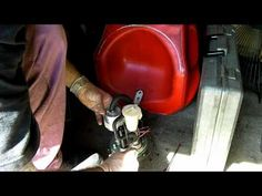 Ducati 916 Fuel filter change, 748 996 - YouTube