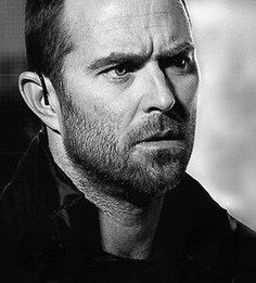 Sullivan Stapleton on