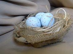 bird's nest out of burlap