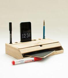 Desk organizer mobile phone stand iphone 6 dock desktop wood pen holder office accessories de CraftedbyOitenta en Etsy                                                                                                                                                                                 Más