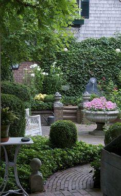 courtyard garden A beautiful garden. Courtyard Landscaping, Modern Landscaping, Landscaping Design, Patio Design, Small Gardens, Outdoor Gardens, Landscape Arquitecture, Modern Landscape Design, Landscape Concept