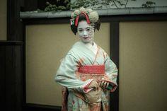 Geisha smile by Ryusuke Komori on 500px