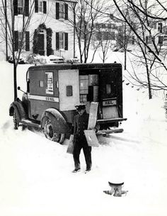 Unknown photographer - Parcel Post Truck and Carrier, USA 1950. °