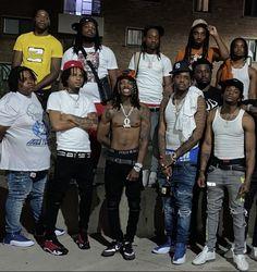 Gorgeous Black Men, Cute Black Guys, Handsome Black Men, Black Boys, Popular Music Artists, Cool Nike Wallpapers, Afro, King Pic, Rapper Outfits