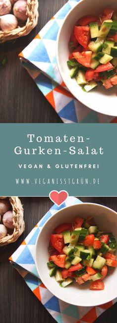 Tomaten-Gurken-Salat ist so ein Klassiker, den man auch super zu Geburstagen und Festen mitbringen kann. Als Beilage passt dieser #Salat zu fast allem und ist schnell gemacht. #tomate #gurke #vegan #glutenfrei