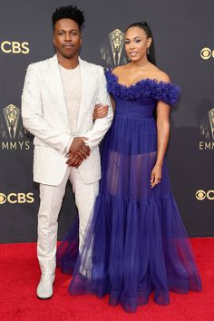 Stars Are Arriving for the 2021 Emmy Awards: See All the Photos from the Red Carpet! Nick And Vanessa, Cedric The Entertainer, Glamour Photo, Celebrity Red Carpet, Red Carpet Looks, Red Carpet Fashion, Hollywood Glamour, Modern Fashion, Runway Fashion
