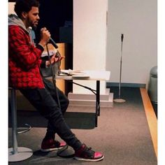 Here we have J Cole in some Jordan 1 'Bred' #TheSoleLibrary #FamousSoles