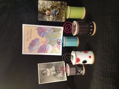 Spool note card or picture holders