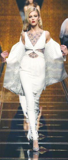 Valentino | DRESS | STYLE | FASHION | M E G H A N ♠ M A C K E N Z I E