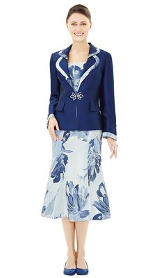 women church suit Made in silk twill with floral prints Featuring double peak lapels with rhinestones buckle Great option for any church or special occasion event Nina Massini fall catalog 2018 Women Church Suits, Suits For Women, Jackets For Women, Ladies Suits, Women's Jackets, Church Attire, Church Dresses, Pretty Dresses, Dresses For Work