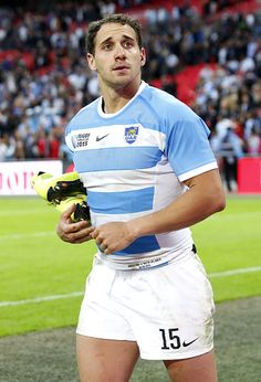 Joaquín Tuculet Argentina Rugby, Rugby Shorts, Rugby Men, All Blacks, Rugby Players, Illustrations, Athletics, Boxer, White Shorts