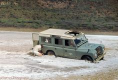 Land Rover 109 Serie III Sw- Adventure river-Stuck in water