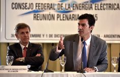 Juan Manuel Urtubey abrió la 145° reunión plenaria del Consejo Federal de Energía Eléctrica que sesiona en la Provincia con la presencia de todos los consejeros representantes de las jurisdicciones argentinas. Lo hizo acompañado por el secretario de Energía Eléctrica de la Nación Alejandro Sruoga y el presidente del Comité Ejecutivo del Consejo José Ovejero.