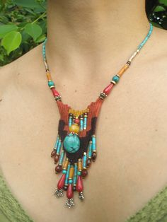 weaving with needle necklace Fiber Art Jewelry, Textile Jewelry, Seed Bead Jewelry, Fabric Jewelry, Jewelry Art, Beaded Jewelry, Beaded Cuff Bracelet, Woven Bracelets, Beaded Necklace