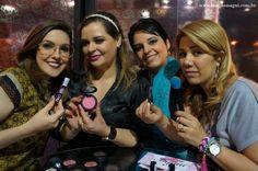 ENTREVISTA DIRETO DA DAILLUS NA BEAUTY FAIR, COM LANÇAMENTOS PARA NOVEMBRO! ASSISTA O VÍDEO NO YOUTUBE NO CANAL: BLOG DA MAGUÍ.  #daillus #dailluspro #jacquelinefraga #blogdamaguí #blogueiras #makeup LEIA O POST http://blogdamagui.com.br/dailus-color-na-beauty-fair-2014/