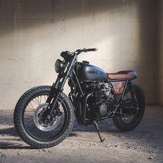 """""""Fade to black"""" Honda CB550"""