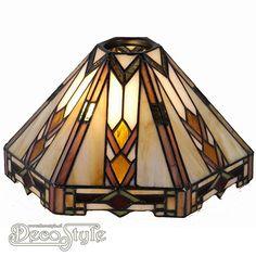 Tiffany Kap Zala (26CM)  Losse Tiffany kap. Helemaal vervaardigd met echt Tiffanyglas. Dit originele glas zorgt voor de warme uitstraling. Afmetingen: Hoogte: 15 cm Diameter: 26 cm De kap heeft een opening van 6 cm voor kaphouder en fitting.