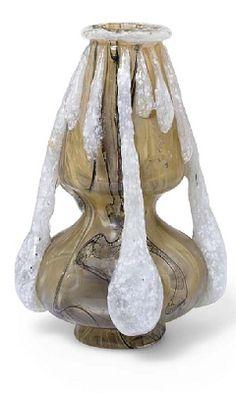 1900_Vase