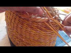 Handmade Headbands, Handmade Crafts, Handmade Rugs, Paper Basket Weaving, Pine Needle Crafts, Easter Egg Basket, Recycled Magazines, Newspaper Basket, Plastic Baskets