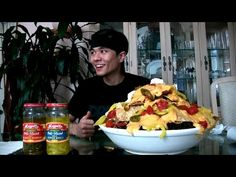 The Ultimate Nacho Platter 8000 Calories Youtube Ultimate Nachos Best Beer