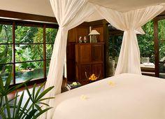http://hanginggardensubud.com/villas/riverside-villa/