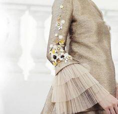 Embellishments for three quarter formal wear sleeves - Salvabrani Kurti Sleeves Design, Sleeves Designs For Dresses, Sleeve Designs, Modest Fashion, Hijab Fashion, Fashion Dresses, Couture Details, Fashion Details, Fashion Design