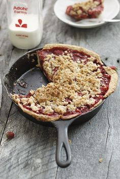 Strawberry skillet pie