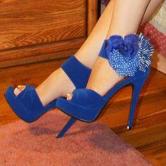 Aleida.net: Yasmine10 by Lady Luxe Side Flower Platform Heels in Electric Blue