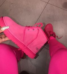 1 person, shoesYou can find Ugg boots and more on our person, shoes Cute Uggs, Cute Boots, Sneakers Mode, Sneakers Fashion, Girls Sneakers, Fashion Shoes, Shoes Sneakers, Ugg Boots Outfit, Outfit Jeans