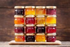 various jars of fruit jam on wooden table Jam Recipes, Light Recipes, Chutney, Cakes Without Butter, Sugar Free Fruits, Jam On, Fruit Jam, Beautiful Fruits, Pastries