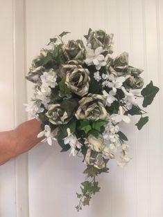 Rehearsal Bouquet, Wedding Rehearsal, Dollar Origami, Money Origami, Bouquet Holder, Bouquet Toss, Money Creation, Money Rose, Money Bouquet