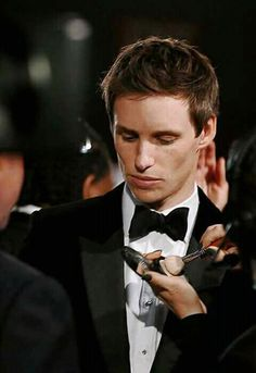 Eddie Redmayne Hannah Bagshawe, Harry Potter, Colin Farrell, Fantastic Beasts And Where, Famous Men, Hollywood Actor, Christian Grey, Celebs, Celebrities