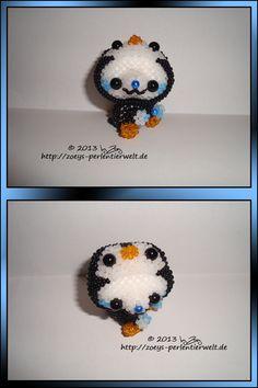 Eisbär als Pinguin verkleidet