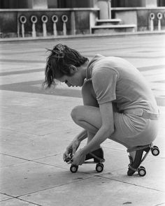 Twiggy with roller skates in 1967, Paris, France