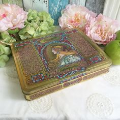 Art Nouveau Whitman's Salmugundi Chocolates tin box, Alfonse Mucha, candy, vanity, trinket, storage, Art Deco, Romantic, jewelry, decor gold