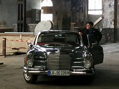Corgi car mercedes benz 220 se coupe die cast model toy for Garage mercedes a bordeaux
