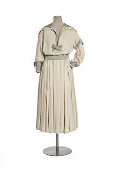 1916 Dress by Jeanne Lanvin, via Les Arts Décoratifs. Jeanne Lanvin, Belle Epoque, Edwardian Fashion, Vintage Fashion, Gothic Fashion, Vintage Dresses, Vintage Outfits, 20th Century Fashion, Period Outfit