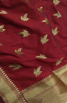 Maroon Handloom Banarasi Georgette Silk Dupatta #banarasisilkdupatta# Banarsi Saree, Silk Dupatta, Chiffon Saree, Saree Dress, Saree Blouse, Jute, Indian Designer Wear, Indian Designers, Neck Designs For Suits