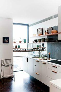 Kleine Küche Einrichten U2013 44 Praktische Ideen Für Individualisierung Des  Kleines Raumes #küchefliesenboden #weiße