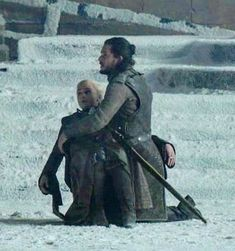 Daenerys Targaryen Art, Daenerys And Jon, Khaleesi, Game Of Thrones Meme, Game Of Thrones Cast, Kit And Emilia, Game Of Thones, Kit Harington, Mother Of Dragons