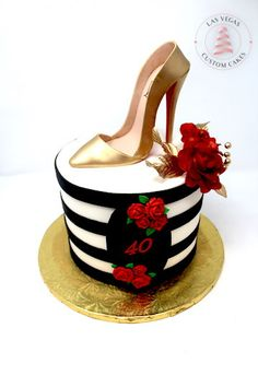 Women's Birthday Cake with Gold Stiletto and Red Roses – Lace Wedding Cake Ideas Birthday Cake Ideas For Adults Women, 40th Birthday Cake For Women, Red Birthday Cakes, Birthday Cake For Women Elegant, Birthday Present Cake, Birthday Woman, 39th Birthday, Shoe Cakes, Cupcake Cakes