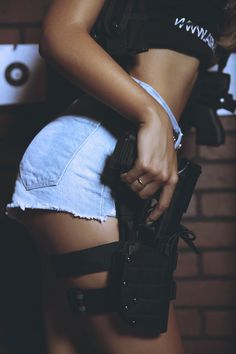 envyavenue:  Glock 19 - Skin Types & Exhaust Pipes.