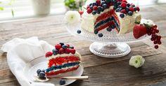 Kake i flaggets farger - Norwegian 17 May cake (Norwegian national day) Las Vegas, Norwegian Food, Norwegian Recipes, Dessert Recipes, Desserts, Pavlova, Cute Food, Creative Food, Let Them Eat Cake
