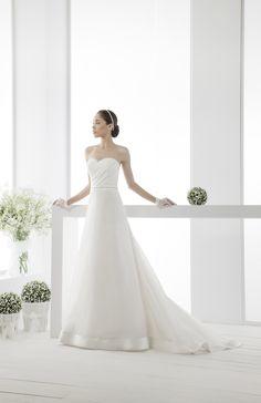 #nuovafierasposi #wedding #chiaraeffesposa  www.nuovafierasposi.com/chiara-effe-abiti-da-sposa