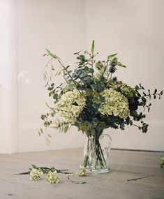 Go green in style with Hydrangea Mix. This fantastically fresh artificial flower display is incredibly realistic and naturalistic. Learn more at Fox Flowers. Faux Flowers, Green Flowers, White Flowers, Hydrangea Arrangements, Flower Arrangement, Beautiful Gardens, Beautiful Flowers, Green Hydrangea, Hydrangeas