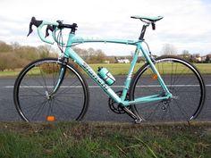 I will adopt a mint Bianchi bike. I fell in love a bit ago, he'll be my new boyfriend.