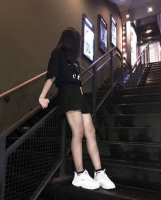 Swag Outfits, Girl Outfits, Cute Outfits, Fashion Outfits, Girl Photo Poses, Girl Photos, Ulzzang Korean Girl, Uzzlang Girl, Korean Street Fashion